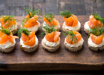 salmon-canapes-beitrag-loeydae-scandinavia-gotta-joga-shutterstock