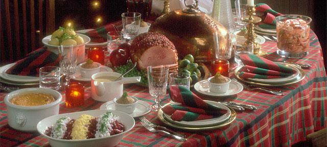 joulupoyta christmas table
