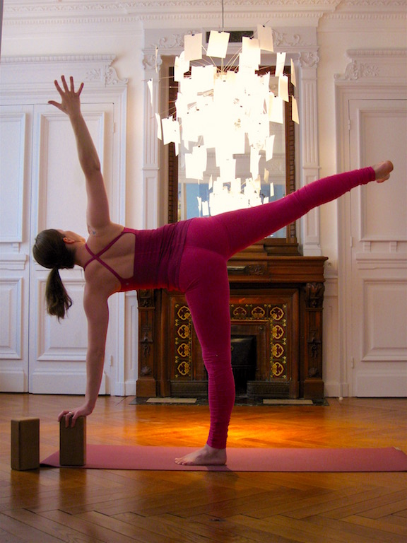half moon yoga pose gotta joga yoga app