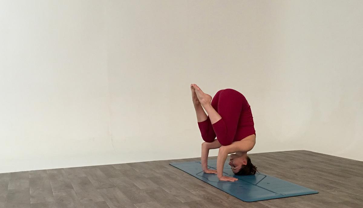 gotta joga review liforme yoga mat anu visuri yoga candle pose