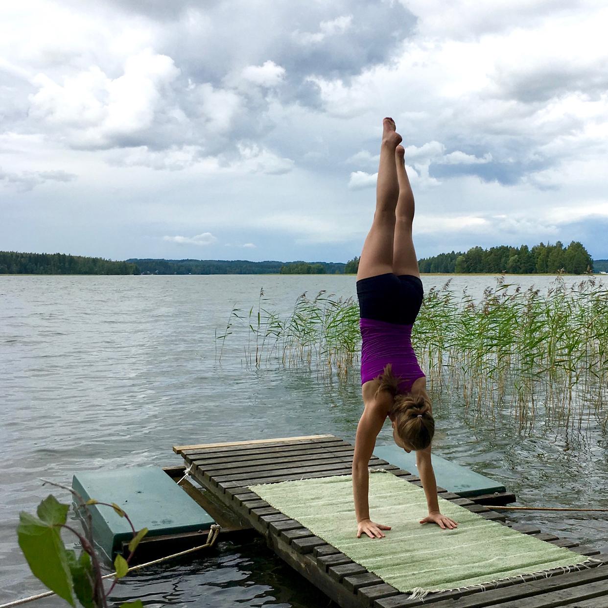 handstand gottajoga yoga app