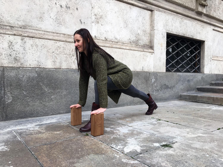 lunge pose gottajoga yoga block